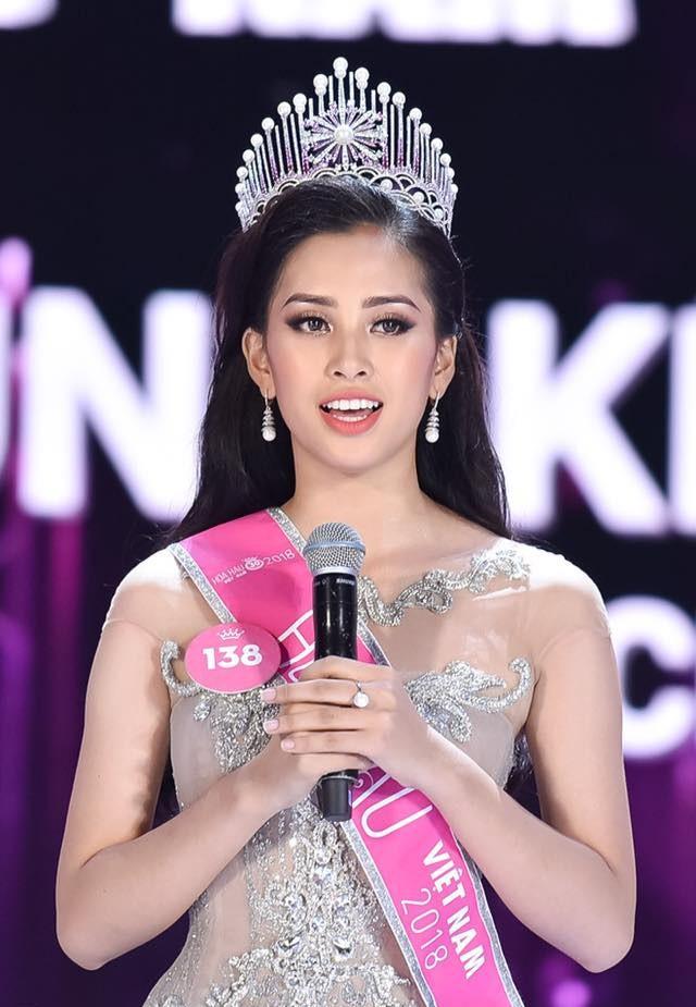 Top 3 Hoa hậu Việt Nam 2018 thay đổi ra sao sau 1 năm đăng quang?  - Ảnh 2.