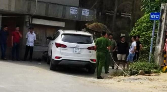 Nạn nhân bị giật đồ dùng ô tô truy đuổi, một tên cướp tử vong - Ảnh 1.