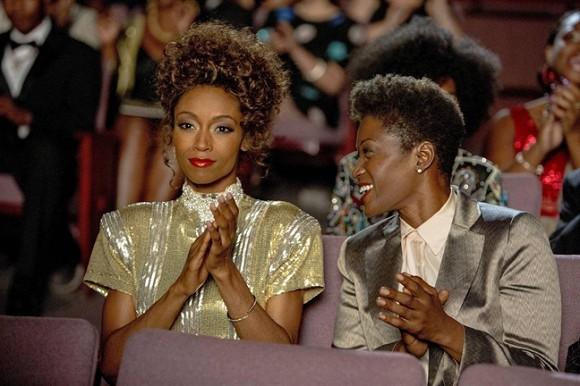 Mối tình đồng tính của Whitney Houston lần đầu tiên được tiết lộ khiến nhiều người bất ngờ - Ảnh 1.