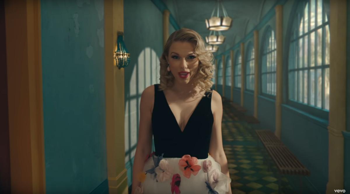 Taylor Swift biến thành bướm trong MV Me! - Ảnh 5.