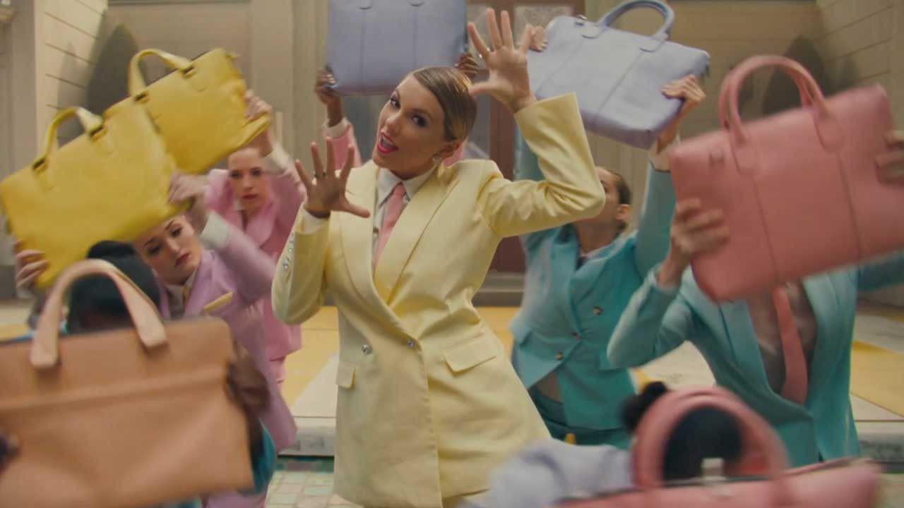 Taylor Swift biến thành bướm trong MV Me! - Ảnh 6.