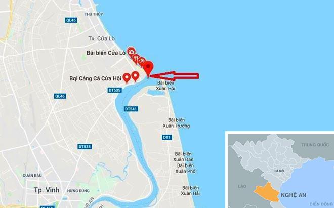Lật xuồng cao su trên biển, 7 người được cứu sống - Ảnh 3.