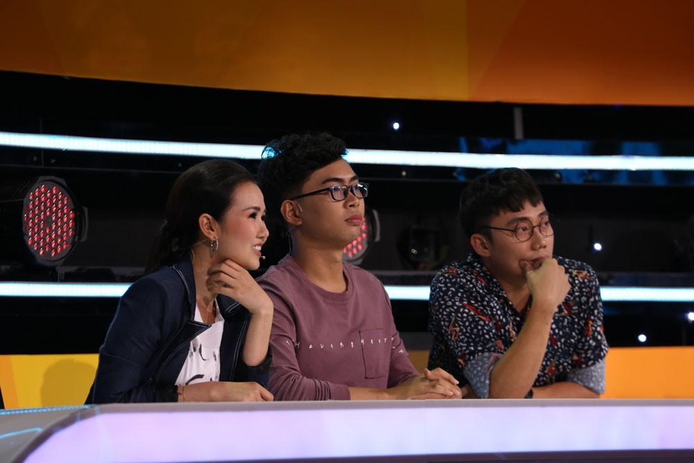 Minh Dự thả thính công khai trai đẹp trên sóng truyền hình - Ảnh 3.