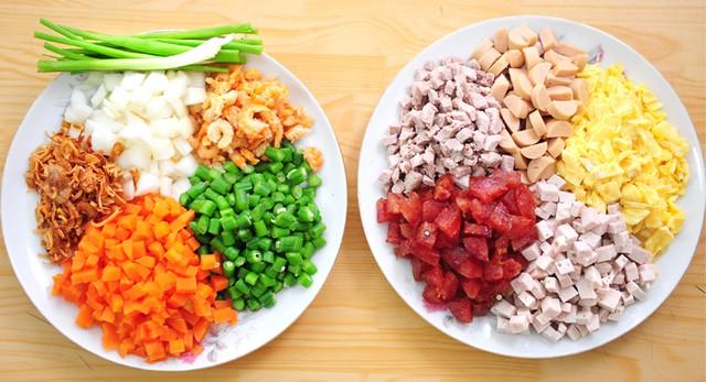 Tối nay ăn gì: Mâm cơm gia đình ấm bụng có cơm chiên, cá kho chiêu đãi cả nhà ngày thứ Sáu - Ảnh 2.