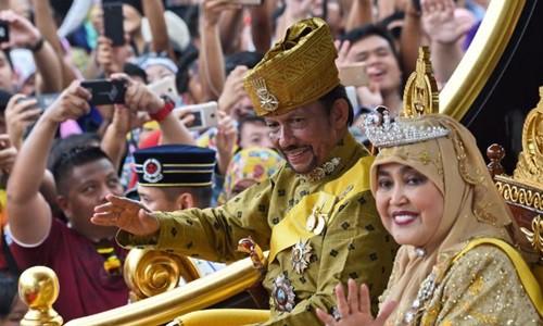 Người đồng tính Brunei đào tẩu vì sợ bị ném đá đến chết - Ảnh 2.
