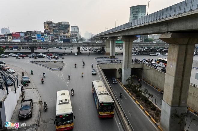 Tiếp tục lỗi hẹn, đường sắt Cát Linh - Hà Đông vướng gì? - Ảnh 2.