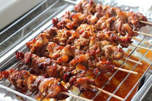 Tối nay ăn gì: Trổ tài nấu bún thịt nướng, salad Nga chiêu đãi cả nhà tối đầu tuần - Ảnh 3.