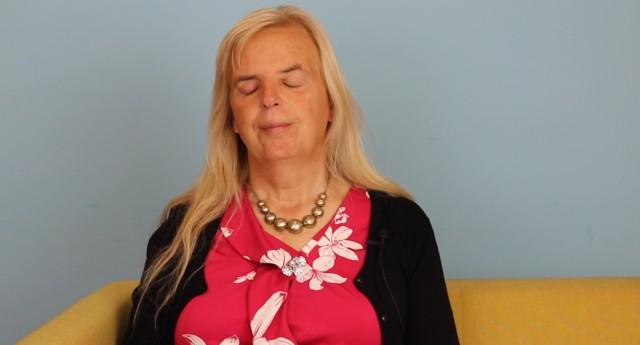 Internet đã giúp tôi come out như thế nào: Tâm sự của người phụ nữ chuyển giới mù - Ảnh 1.