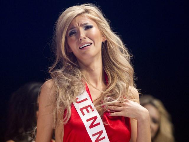 Ai đã mở cánh cửa cho người chuyển giới đến với Hoa hậu Hoàn vũ? - Ảnh 2.