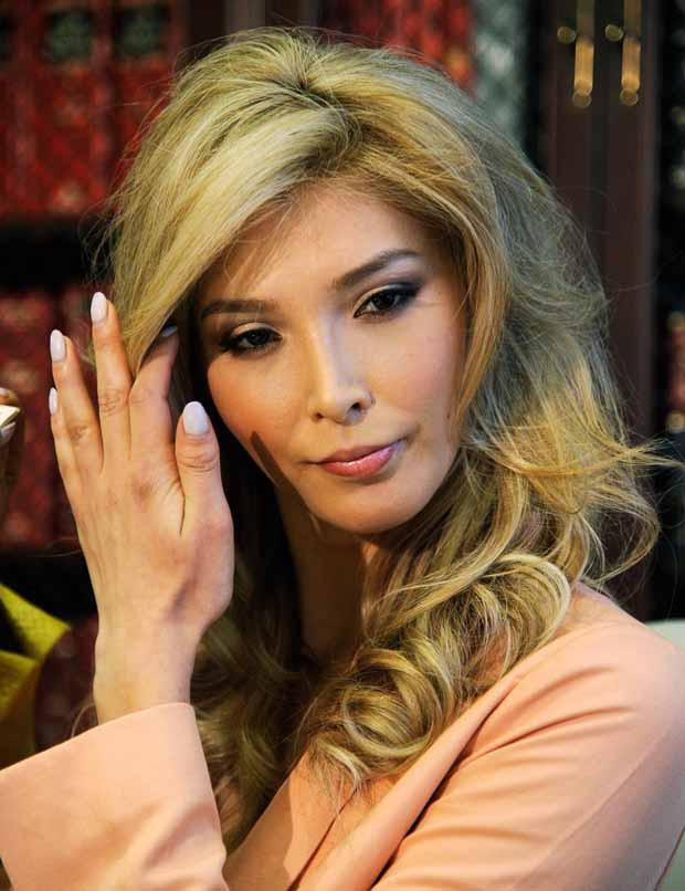Ai đã mở cánh cửa cho người chuyển giới đến với Hoa hậu Hoàn vũ? - Ảnh 1.