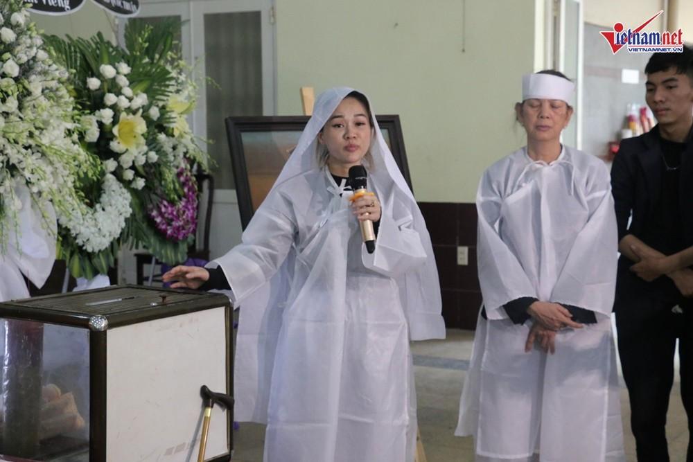 Nghệ sĩ Việt đau buồn khi tới viếng nghệ sĩ Lê Bình - Ảnh 4.