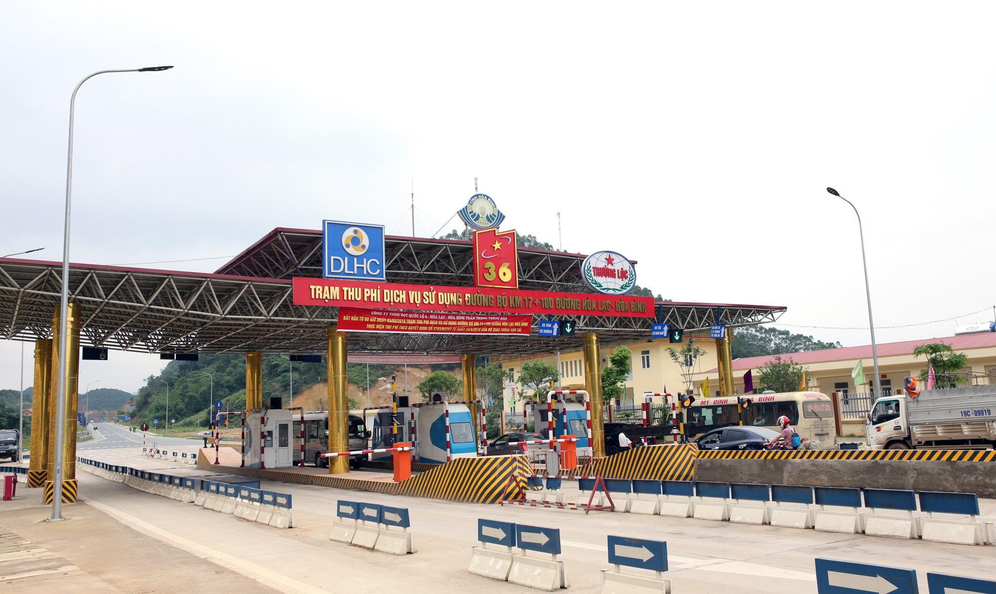 Lãnh đạo trạm BOT Hòa Lạc - Hòa Bình bỏ 17.500 đồng tiền túi mua vé hộ chủ xe con - Ảnh 12.