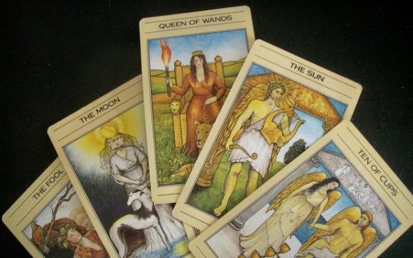 Tử vi hôm nay (10/5) qua lá bài Tarot: Một ngày để thở