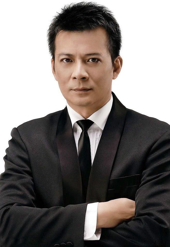 Tài tử TVB Huỳnh Nhật Hoa: Đánh đổi sự nghiệp, bán hết gia sản đổi lấy sức khỏe cho bà xã bị ung thư - Ảnh 1.