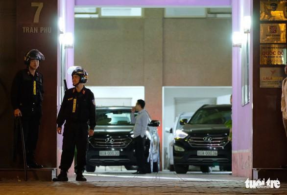 12 tiếng khám xét liên tục tại trụ sở Công ty Nhật Cường - Ảnh 2.