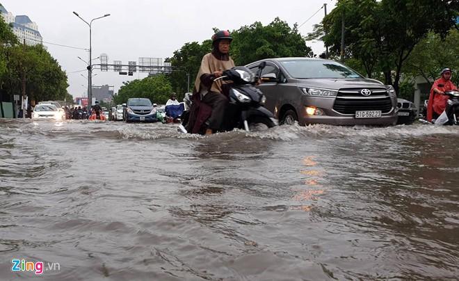 Chốt giá thuê máy bơm chống ngập đường Nguyễn Hữu Cảnh 14 tỉ mỗi năm - Ảnh 2.