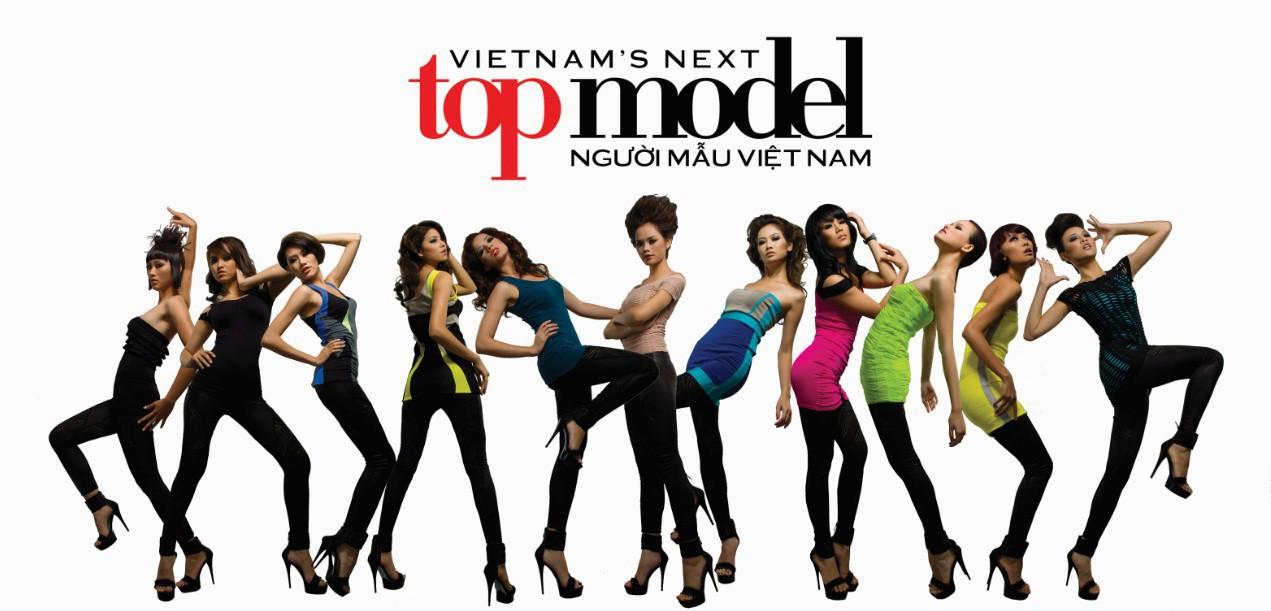 Nhìn lại poster ấn tượng của 8 mùa Vietnams Next Top Model và hé lộ điều bất ngờ ở mùa thứ 9 - Ảnh 1.