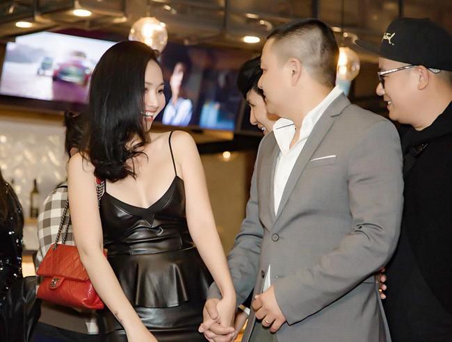 Út Ráng Kim Hiền: Từ nỗi đau bị chồng phản bội sau 2 tháng mặc áo cô dâu tới niềm hạnh phúc tìm thấy hoàng tử của đời mình sau 2 lần đò - Ảnh 8.