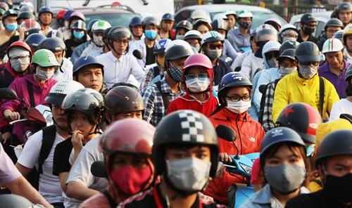 Ông Nguyễn Đức Chung: Hà Nội có thể cấm xe máy trước năm 2030 - Ảnh 2.