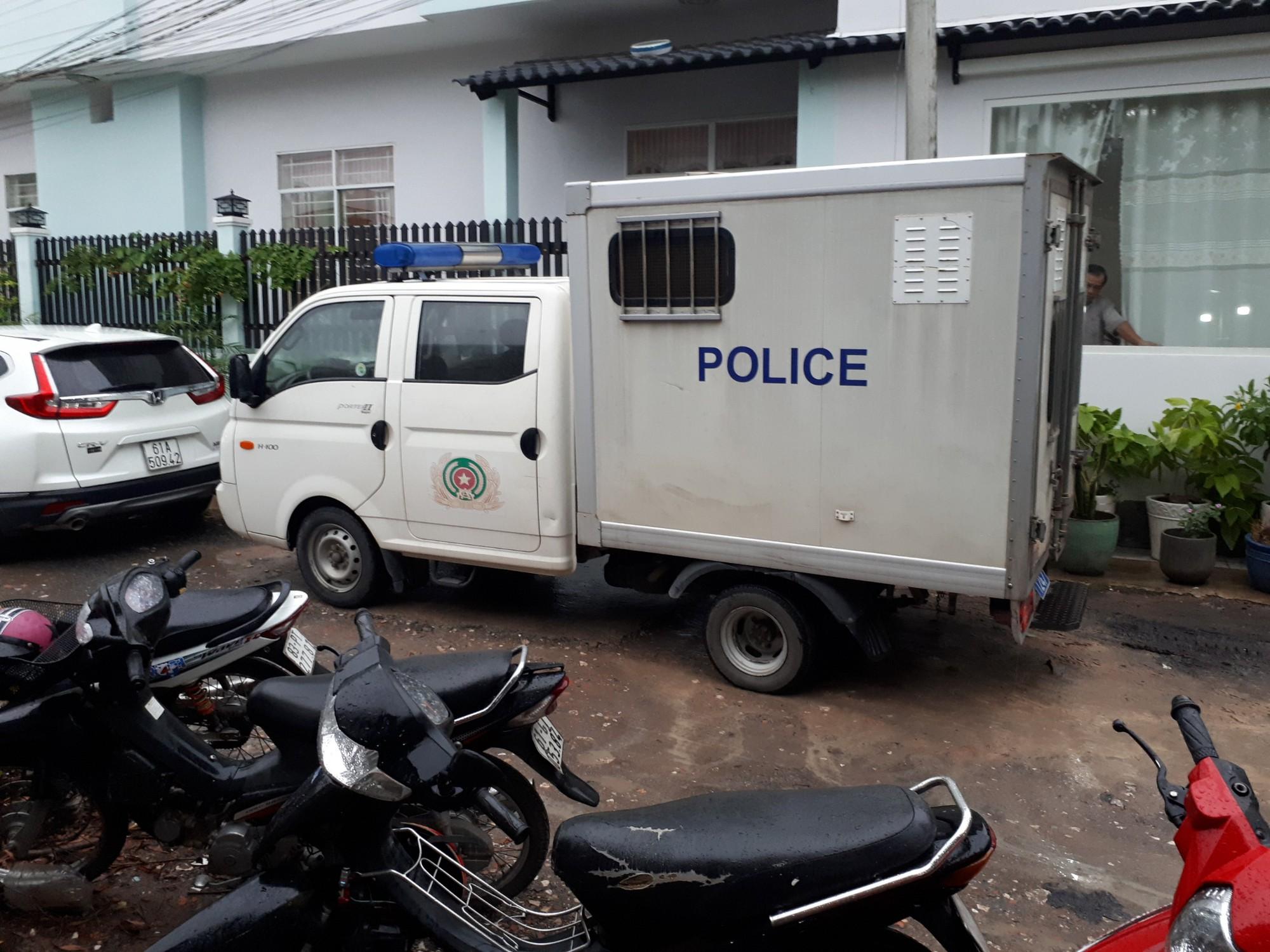 Hiện trường nghi án chủ nhà trọ 80 tuổi bị sát hại cướp tài sản - Ảnh 3.