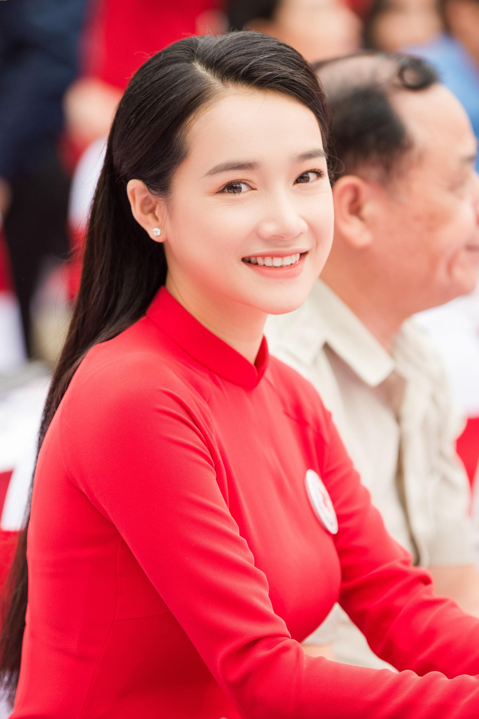 Nhã Phương vinh dự trở thành đại sứ của tháng Nhân đạo Quốc gia - Ảnh 9.