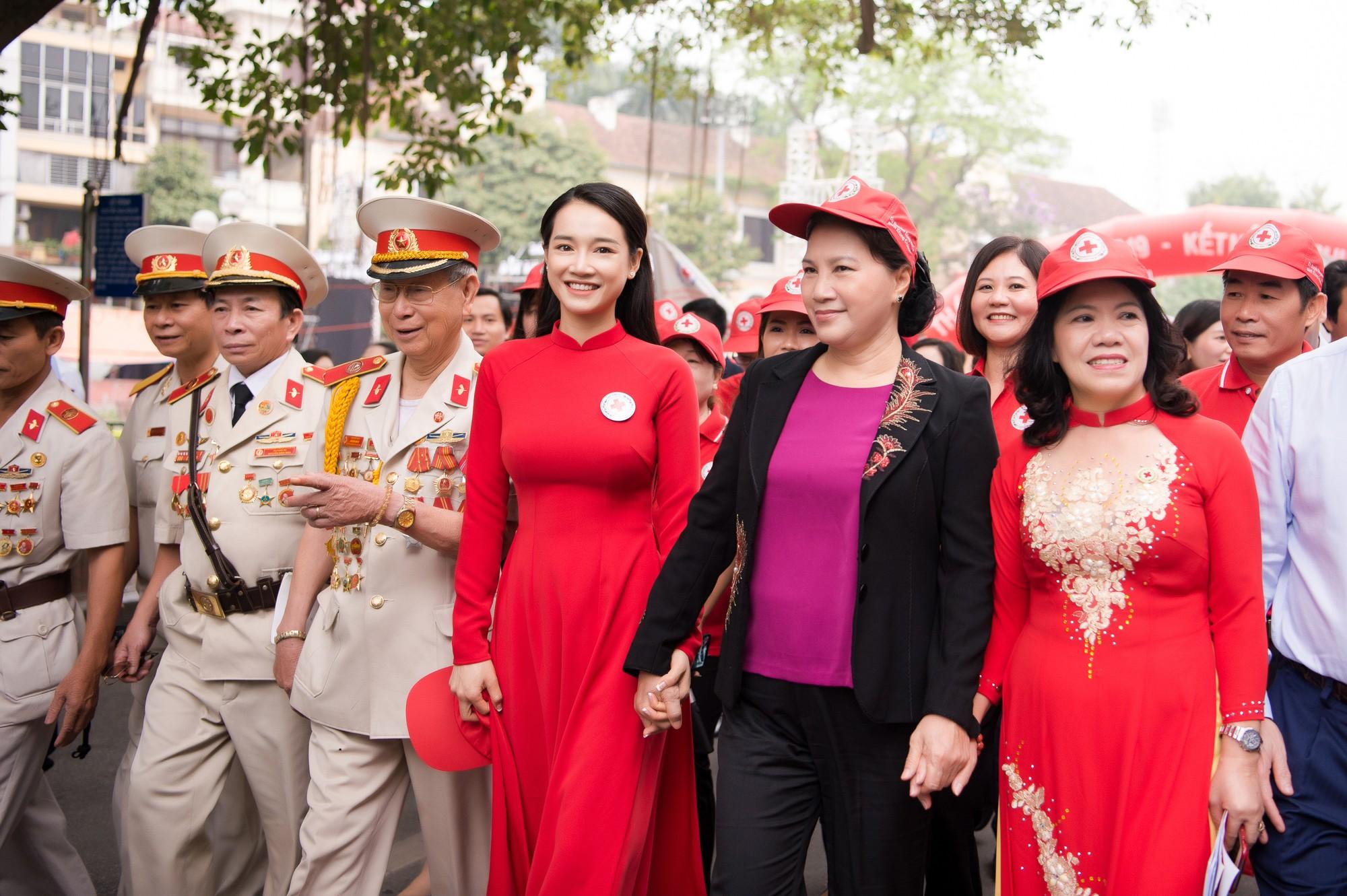 Nhã Phương vinh dự trở thành đại sứ của tháng Nhân đạo Quốc gia - Ảnh 3.