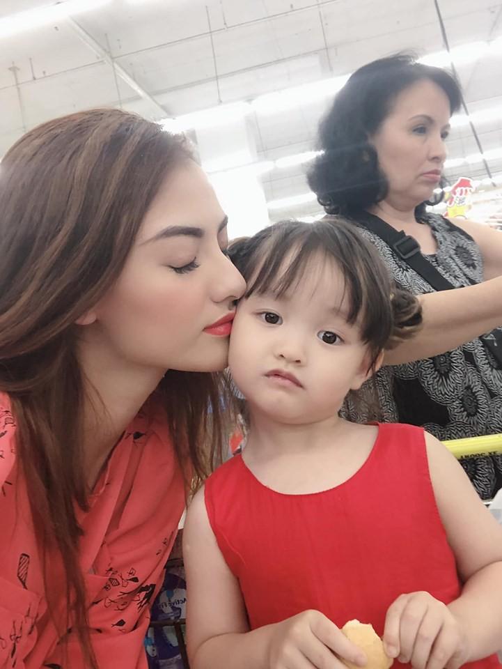 Sao Việt hôm nay (12/5): Tâm thư xúc động của Nhã Phương viết về mẹ, Lan Khuê xác nhận chuyện có em bé - Ảnh 8.