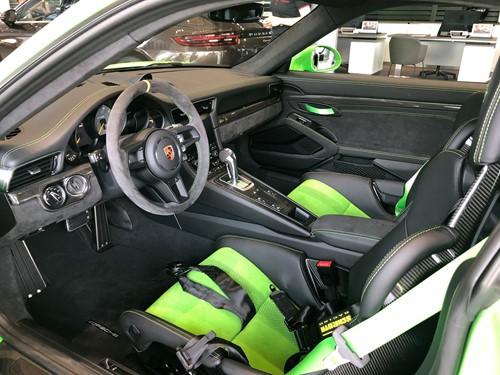 Porsche 911 GT3 RS chính hãng có giá 16 tỉ đồng tại Việt Nam - Ảnh 2.