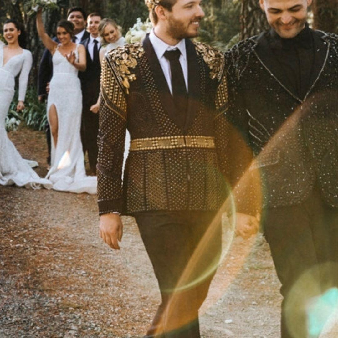 Đám cưới xa hoa của cặp đồng tính giữa núi rừng khiến nhiều người phát hờn - Ảnh 7.