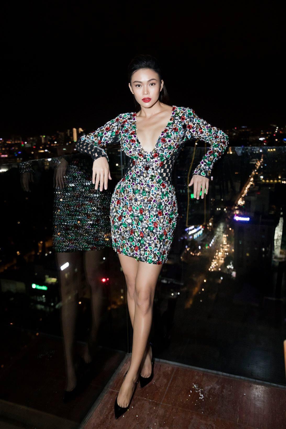 Những chiếc váy giúp Á hậu Mâu Thủy thăng hạng về phong cách - Ảnh 7.