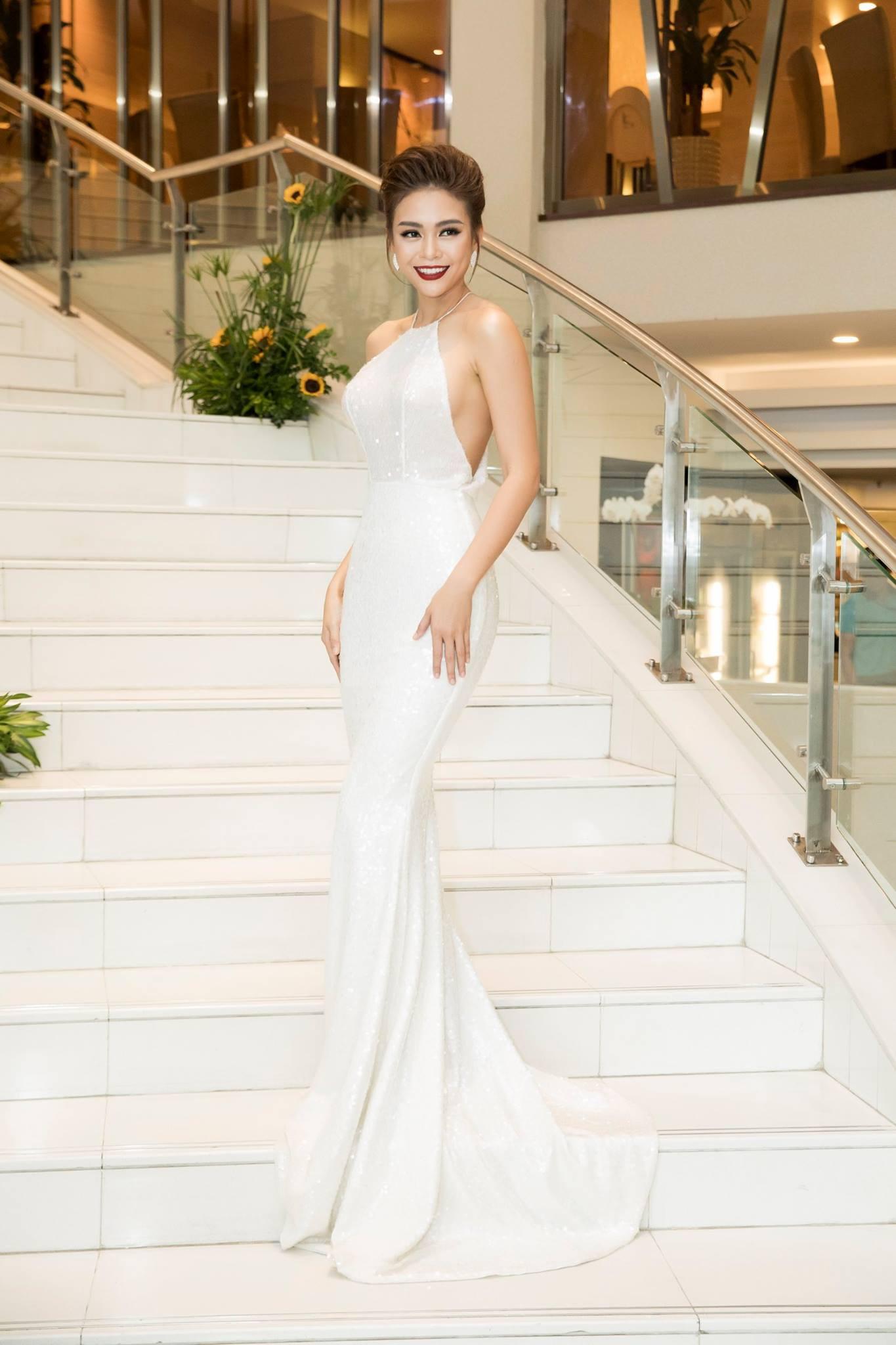 Những chiếc váy giúp Á hậu Mâu Thủy thăng hạng về phong cách - Ảnh 11.