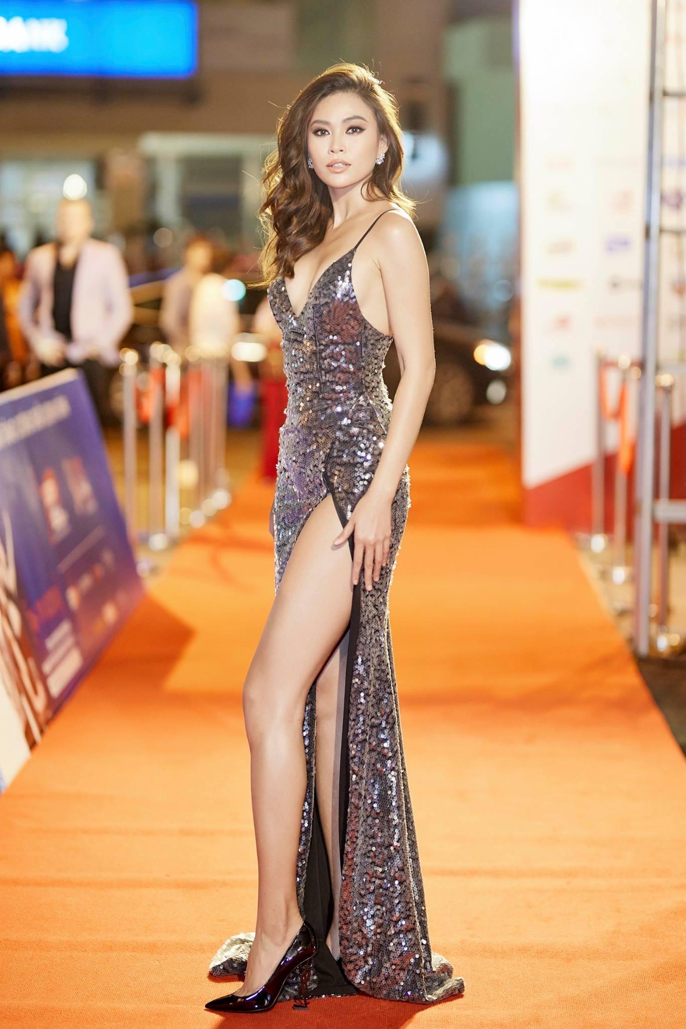 Những chiếc váy giúp Á hậu Mâu Thủy thăng hạng về phong cách - Ảnh 13.