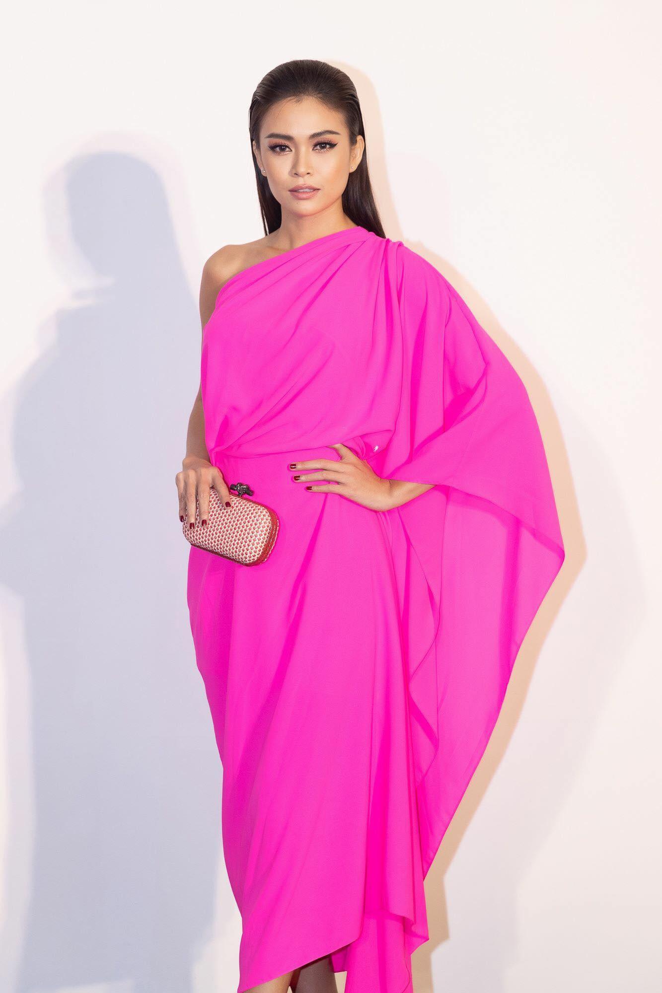Những chiếc váy giúp Á hậu Mâu Thủy thăng hạng về phong cách - Ảnh 18.