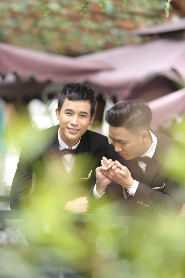 Lộ danh tính cô dâu - chú rể trong đám cưới đồng tính nam ở Kiên Giang mà dân mạng đang rần rần chia sẻ - Ảnh 6.