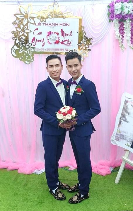 Lộ danh tính cô dâu - chú rể trong đám cưới đồng tính nam ở Kiên Giang mà dân mạng đang rần rần chia sẻ - Ảnh 2.