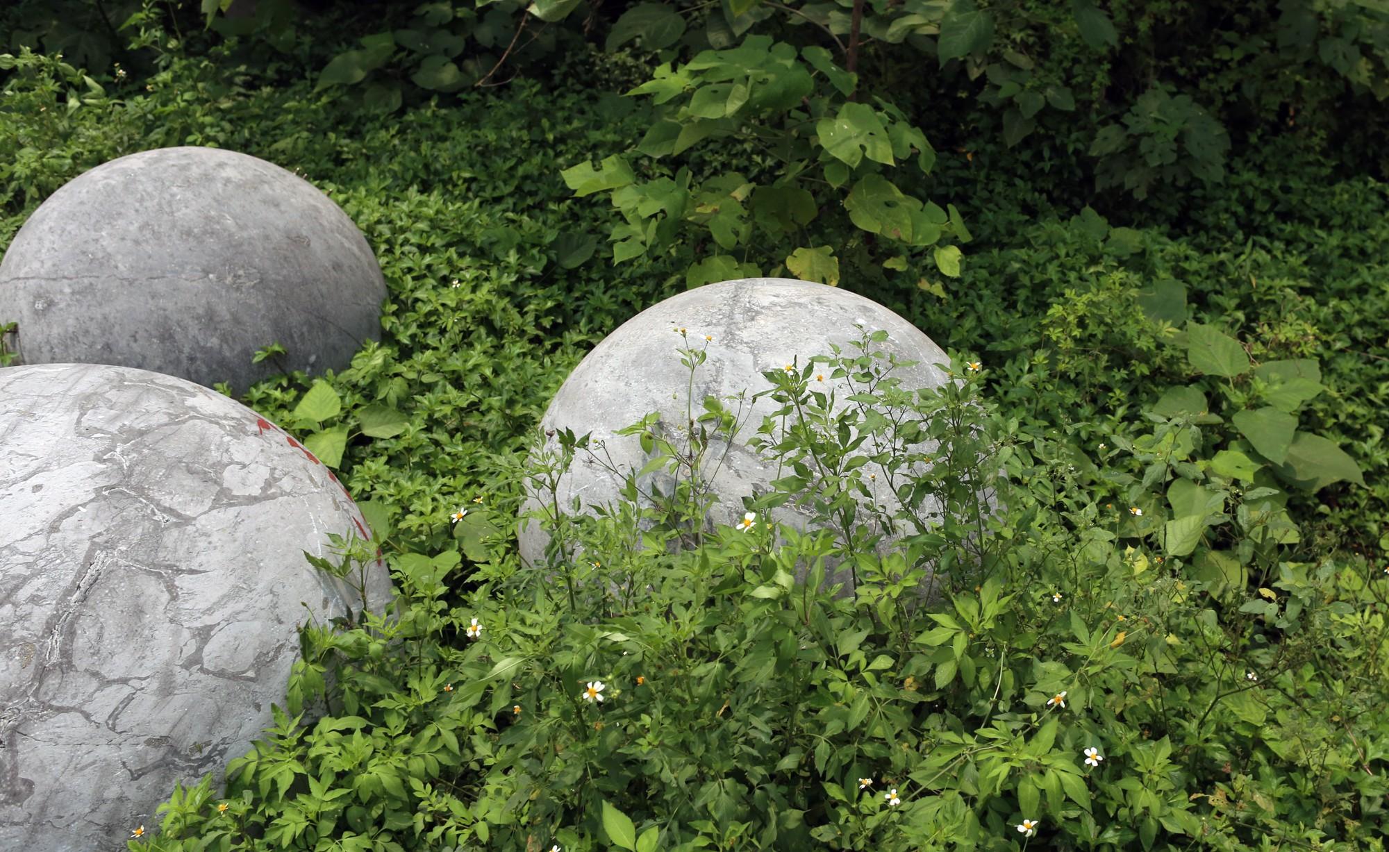 Bóng xích ở sân Mỹ Đình nguy cơ bị chôn trong rác - Ảnh 8.