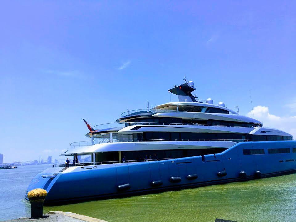 Siêu du thuyền 150 triệu USD của ông chủ CLB bóng đá Tottenham bất ngờ đến Đà Nẵng - Ảnh 1.