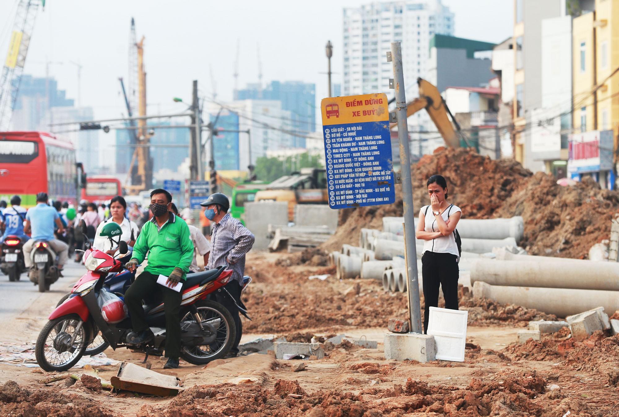 Hà Nội: Đường Phạm Văn Đồng vẫn ngổn ngang hơn 1 năm thi công dự án cao tốc trên cao - Ảnh 7.