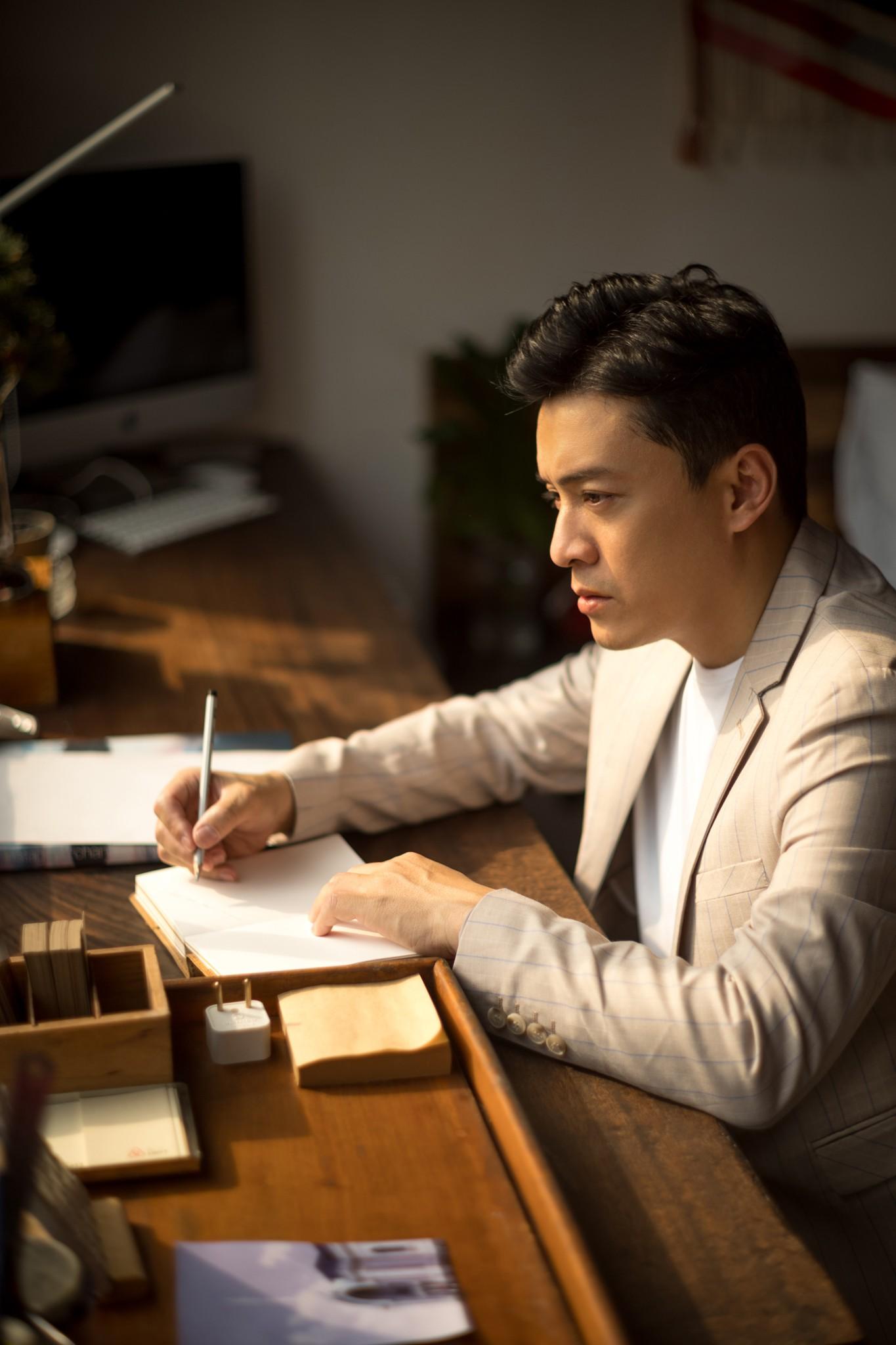 Gạt qua nỗi buồn mất giấy tờ, Lam Trường gấp rút chuẩn bị dự án mới - Ảnh 3.