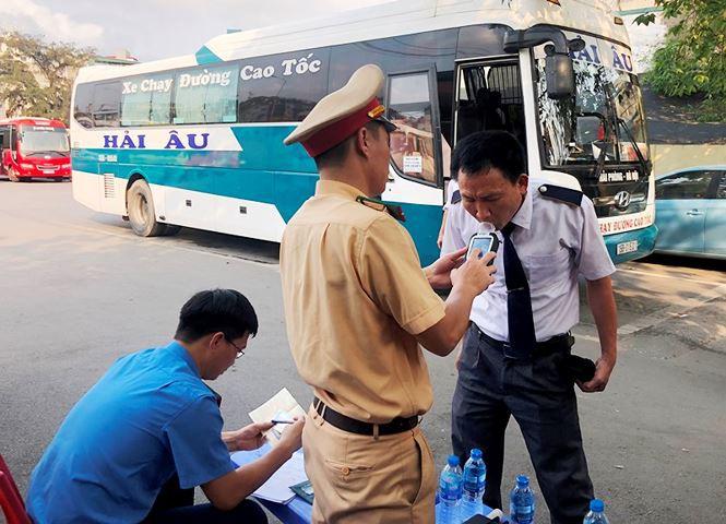 Phát hiện nhiều tài xế xe khách Hà Nội dính ma túy - Ảnh 10.