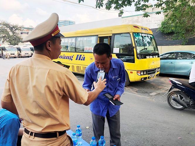 Phát hiện nhiều tài xế xe khách Hà Nội dính ma túy - Ảnh 3.