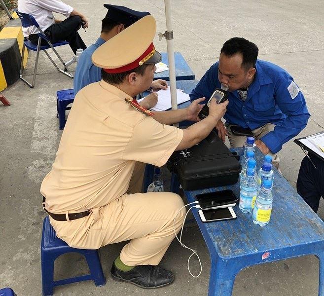 Phát hiện nhiều tài xế xe khách Hà Nội dính ma túy - Ảnh 5.