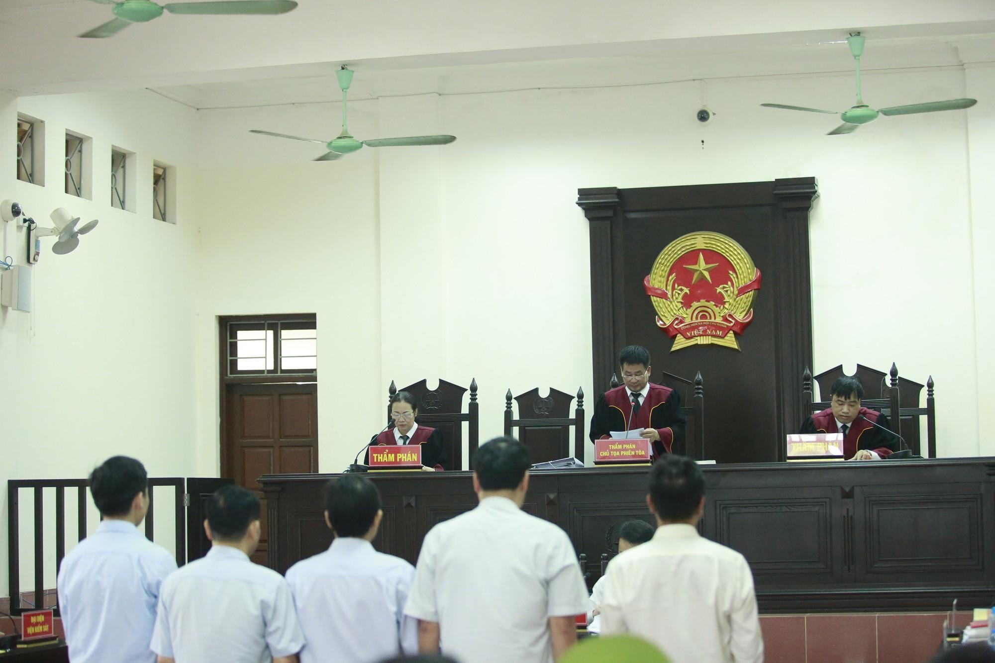 Vụ chạy thận khiến 9 người tử vong: Hoàng Công Lương hầu tòa phúc thẩm - Ảnh 8.