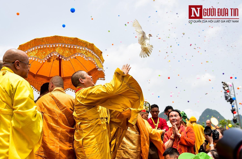 Phật tử nên làm gì trong ngày Phật Đản để tích lũy công đức? - Ảnh 1.