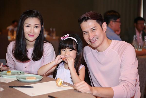 Huy Khánh bảo vệ con gái khi dân mạng nhận xét hỗn láo với bố trên sóng truyền hình - Ảnh 4.