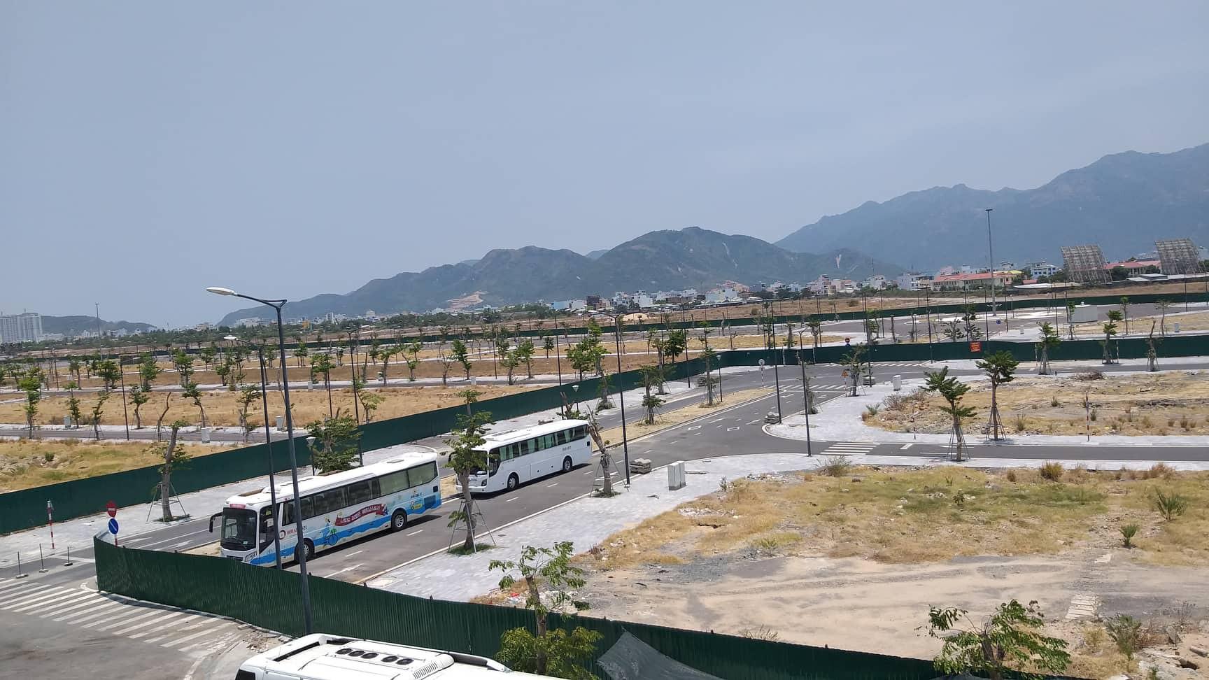 Đề nghị công an xử lí việc mua bán đất sân bay Nha Trang cũ - Ảnh 1.