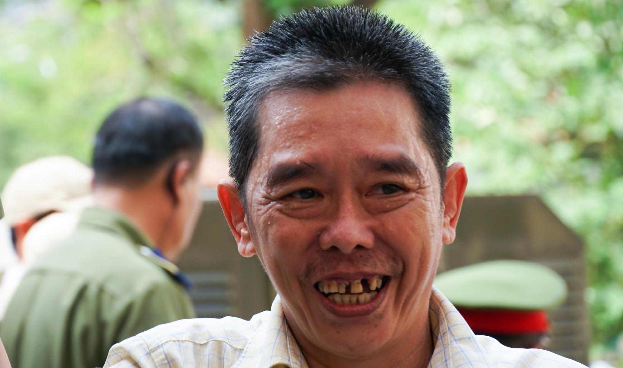 Trùm ma túy Văn Kính Dương cùng người tình Ngọc Miu tươi cười trước giờ tuyên án  - Ảnh 5.