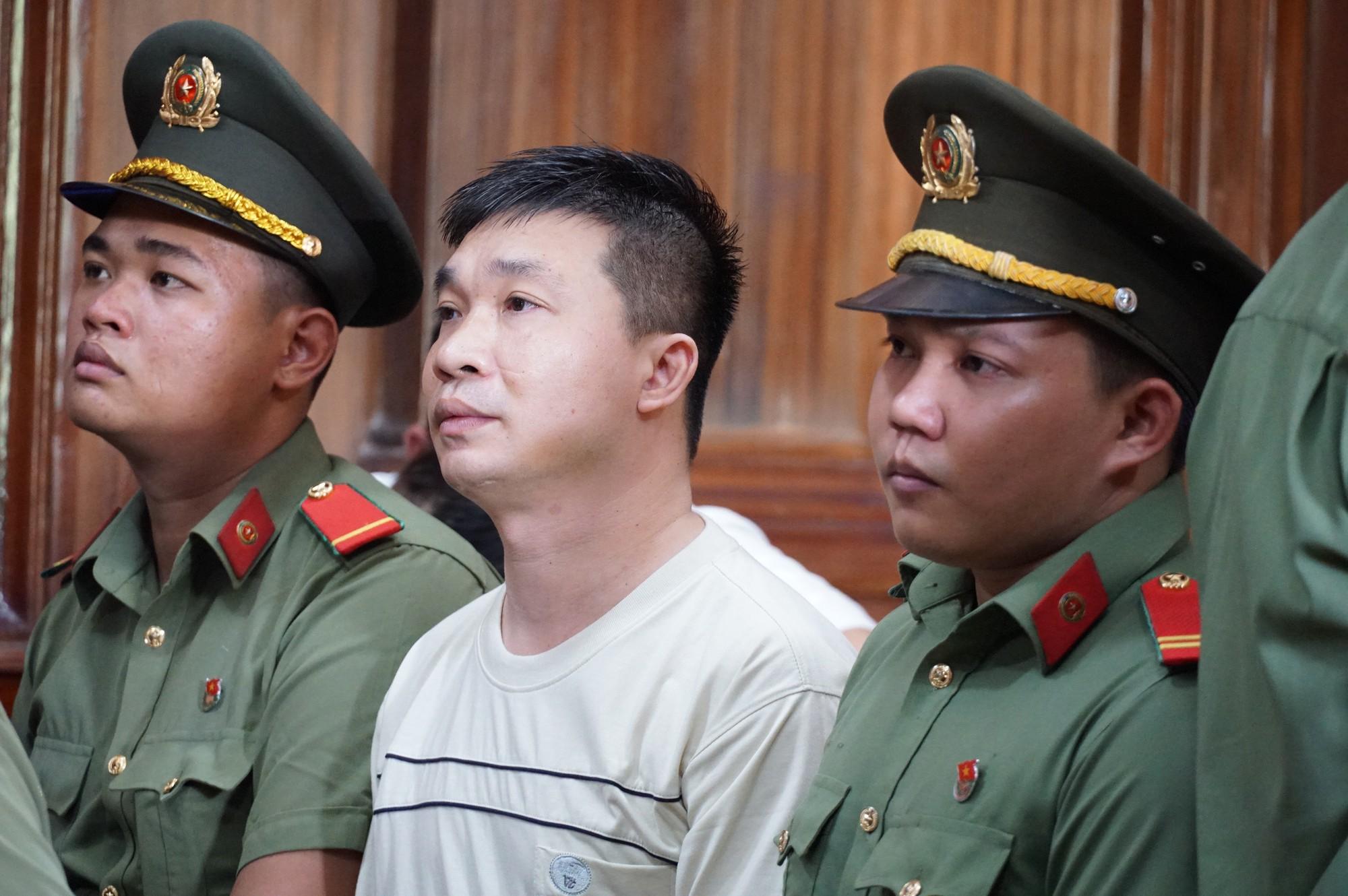 Tòa trả hồ sơ, bố Văn Kính Dương bị điều tra bổ sung - Ảnh 3.