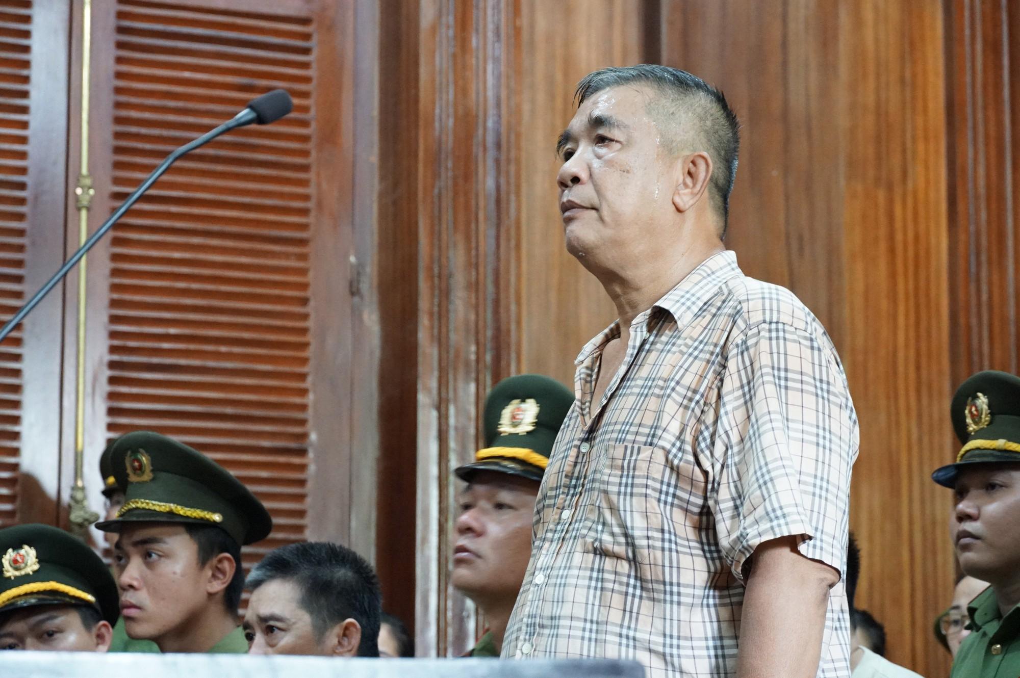 Tòa trả hồ sơ, bố Văn Kính Dương bị điều tra bổ sung - Ảnh 1.
