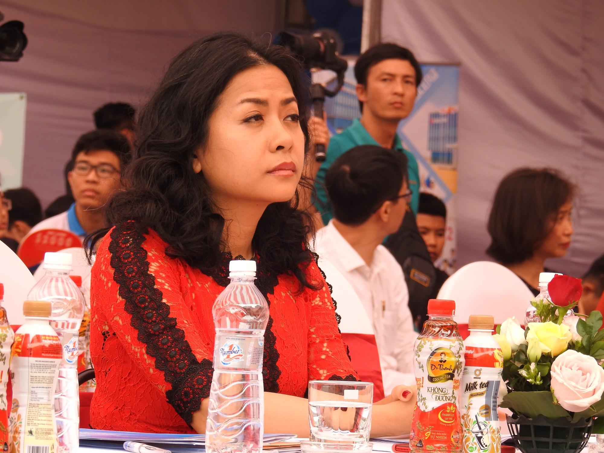 Bà Trần Uyên Phương: Giai đoạn thực tập chính là lúc chúng ta bắt đầu và không còn thời gian để bỏ phí - Ảnh 1.